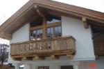 Balkon aus Altholz-Kaprun